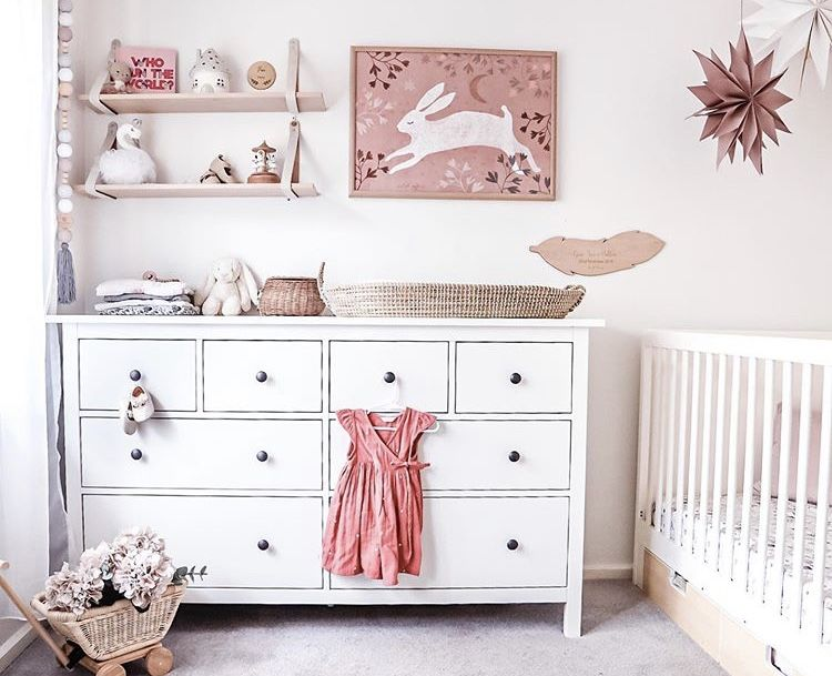 #nursery #nurserydecor #girlsroom #toddlerroom #kidsdecor #fairylamp #elfinhouse #elfinhouselight #nightlight #kidslamp #porcelainlighting #kidsnightlight