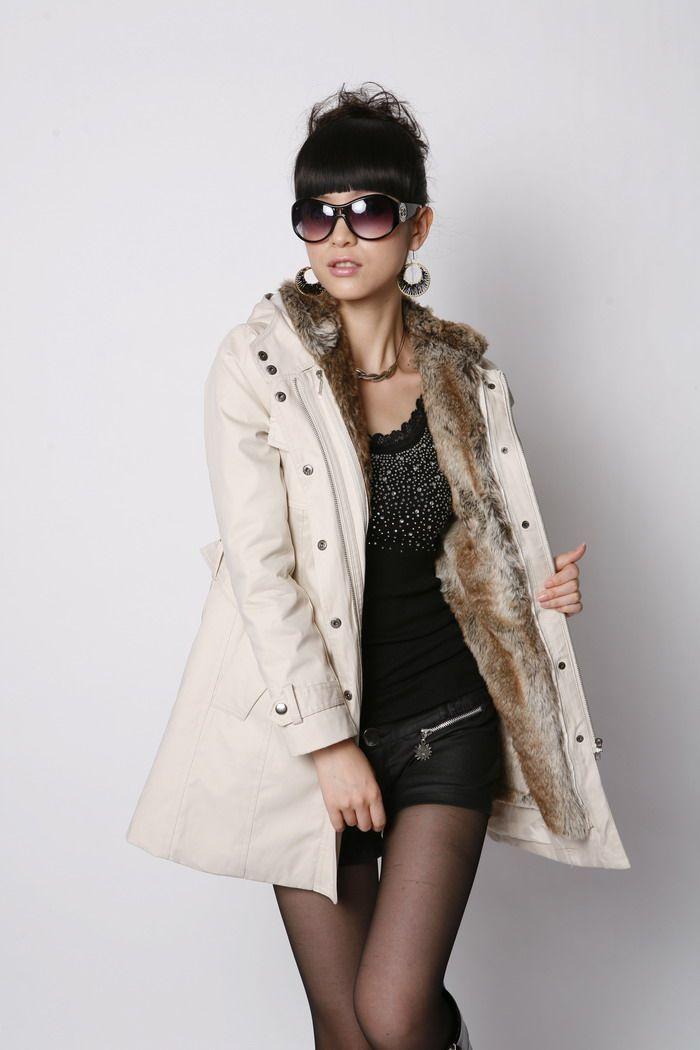 ... ceinture plaine manteaux à manches longues. Manteau - veste doublé  fausse fourrure avec capuche - tendance 2012   2013 - Manteaux -  Showroom-Mode® 9ee71b81bf5d