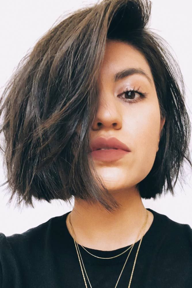 35 Best Short Hairstyles For Round Faces In 2020 Lovehairstyles Com In 2020 Short Hair Styles For Round Faces Short Hairstyles For Thick Hair Thick Hair Styles