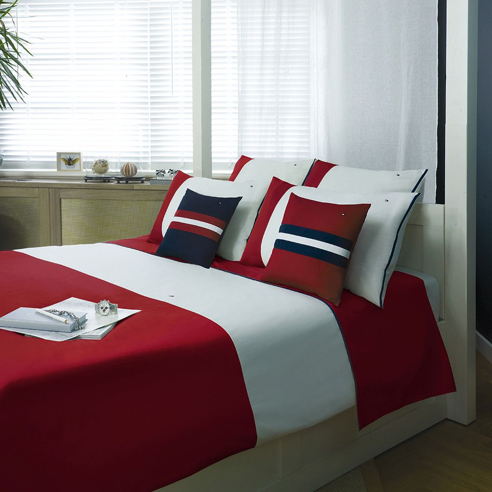 Discover the Tommy Hilfiger Red Colour Block