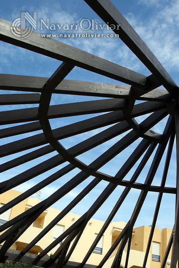 Estructura de vigas de madera laminada cubierta semi - Estructura madera laminada ...