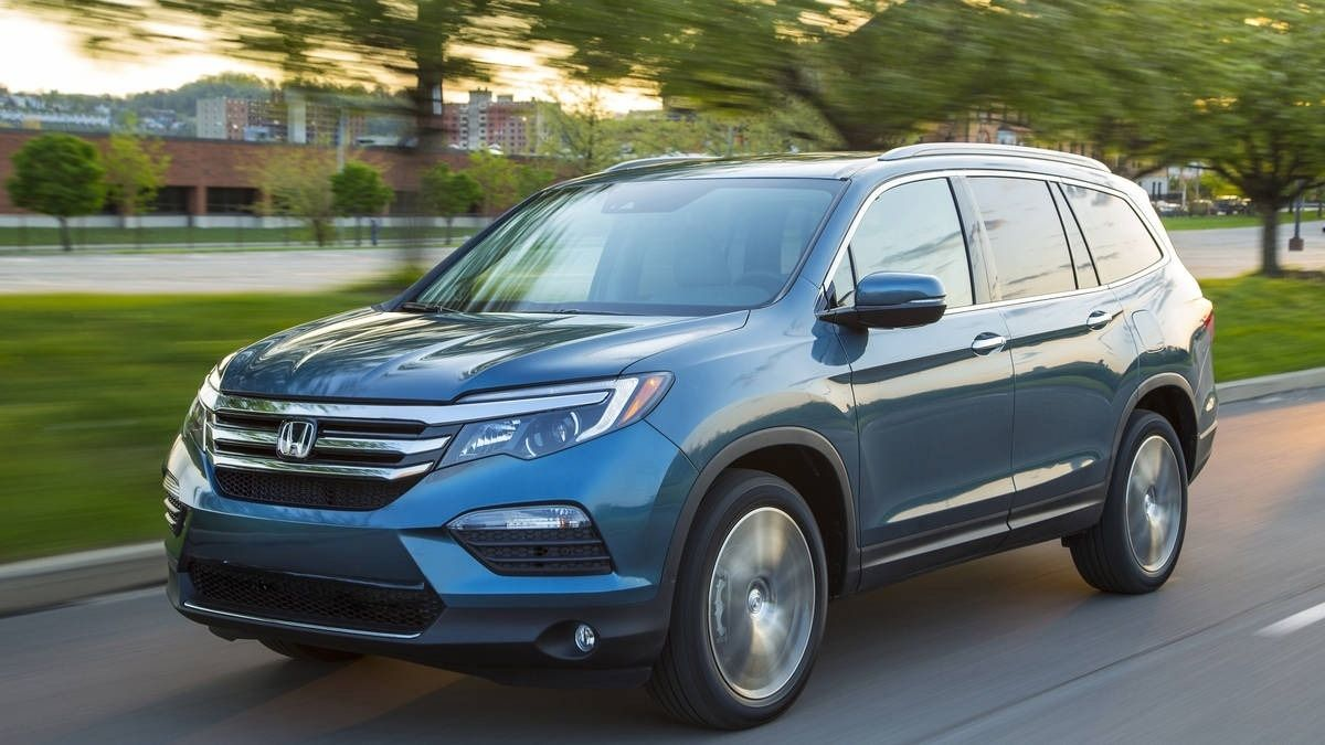 Honda Is Testing A Plug In Hybrid Pilot 2021 Honda Pilot Phev Gas Interior Exterior And Review Honda Pilot Pilot Honda