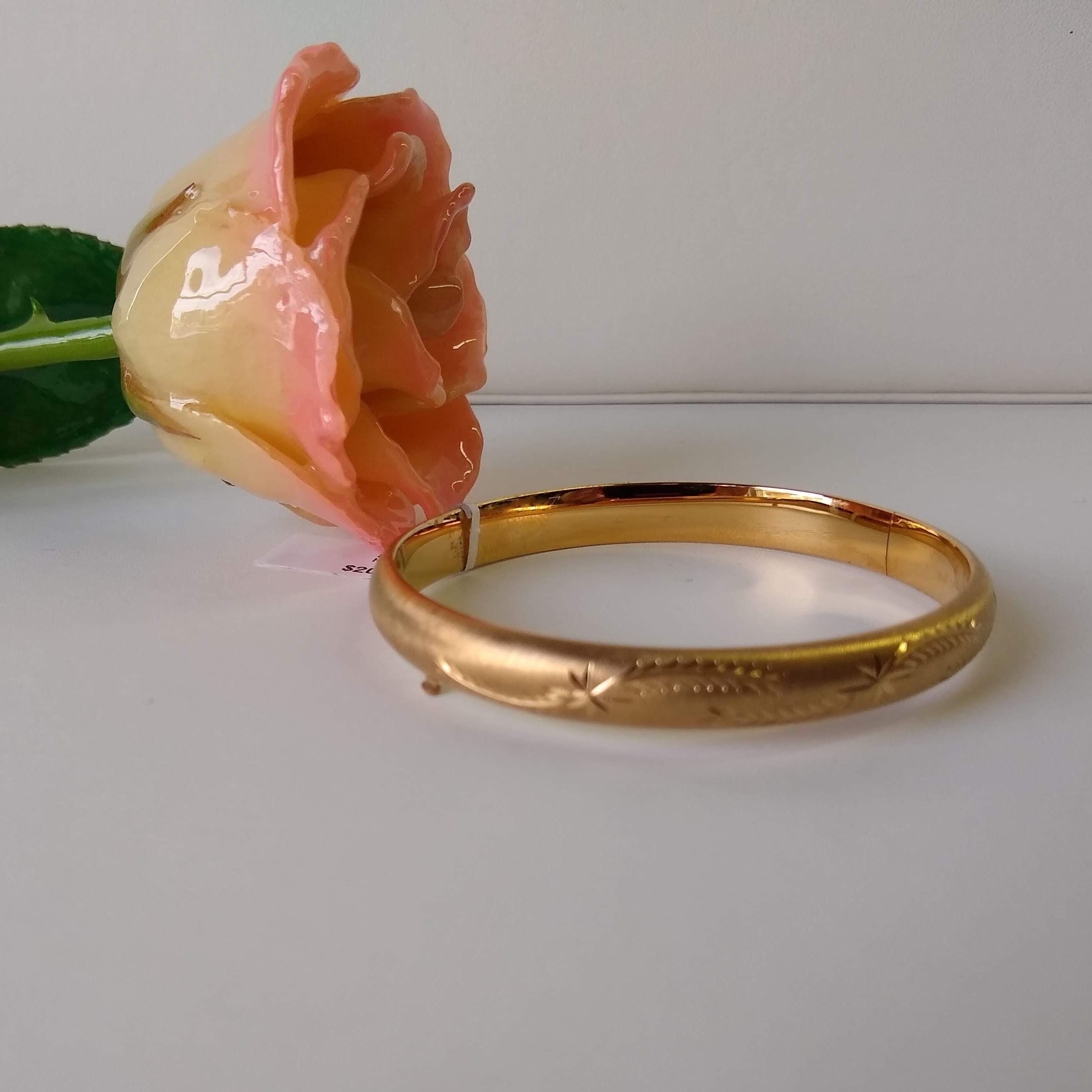 14k goldfilled handengraved hinged bangle bracelet. 8mm