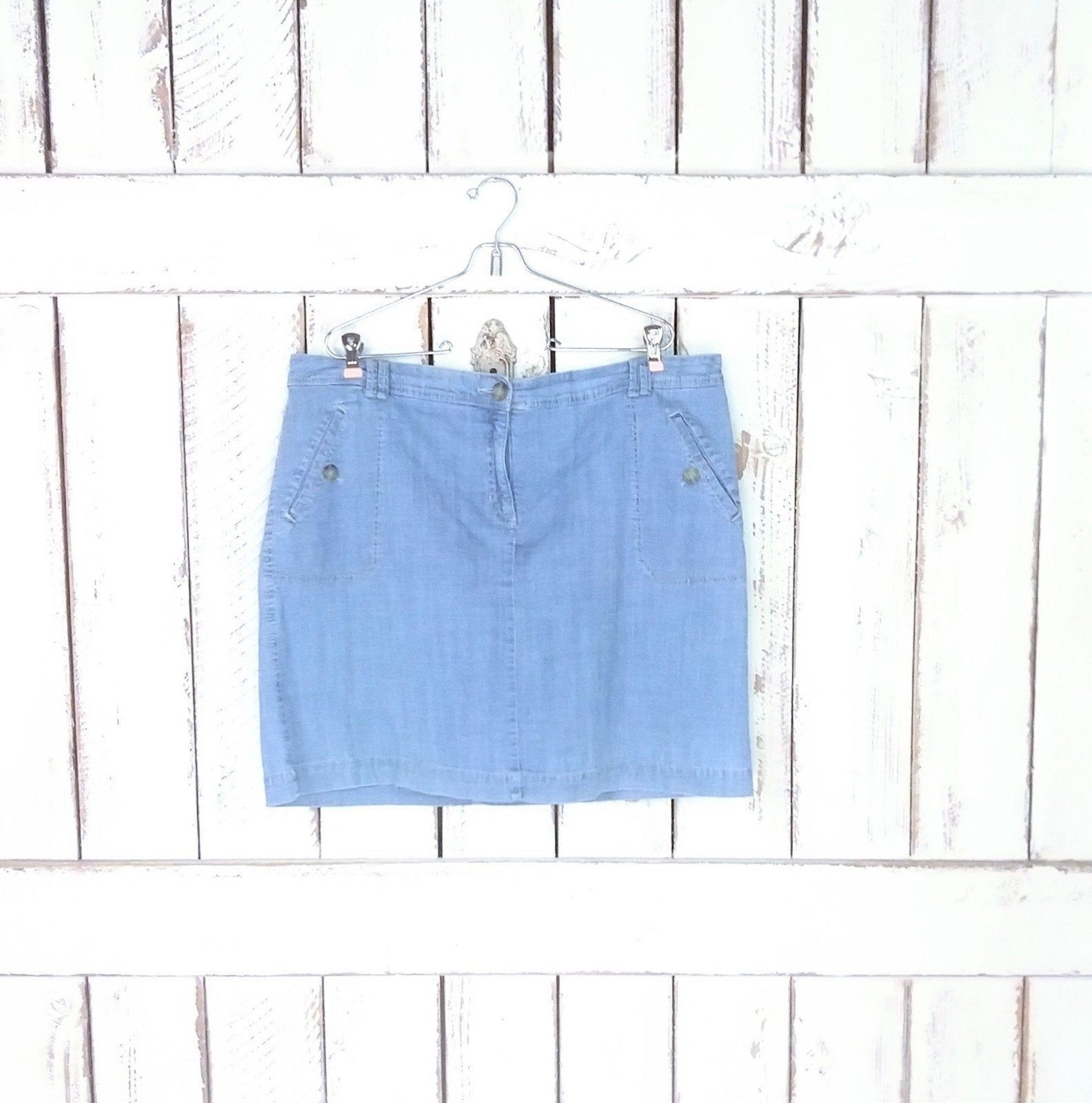 Vintage light blue jean denim skorts/Karen Scott denim mini skirt/denim shorts/plus size/18 #lightblueshorts Vintage light blue jean denim skorts/Karen Scott denim mini skirt/denim shorts/plus size/18 by GreenCanyonTradingCo on Etsy #lightblueshorts