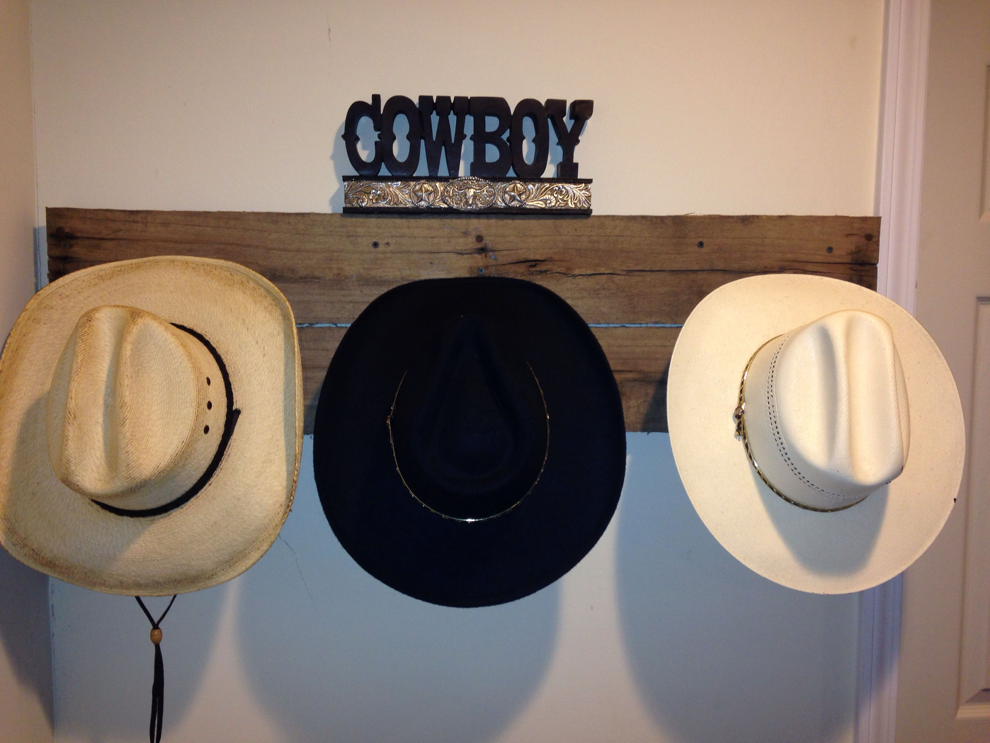Cowboy Hat Rack Made From Wood Pallet Hat Rack Cowboy Hat Rack Baseball Hat Racks