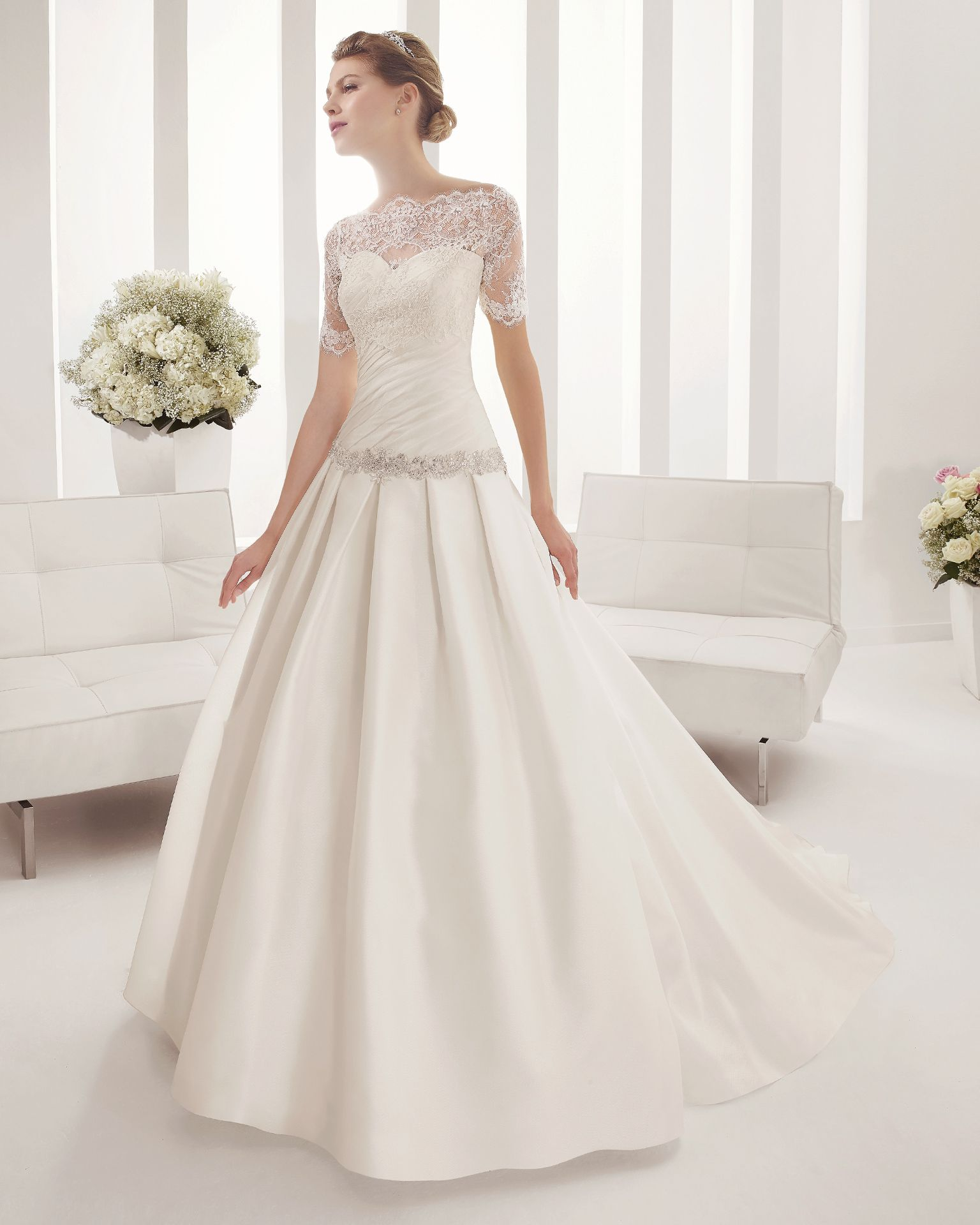 8B167 PERSA | Wedding Dresses | 2015 Collection | Alma Novia (Shown with detachable short sleeve Lace Jacket)