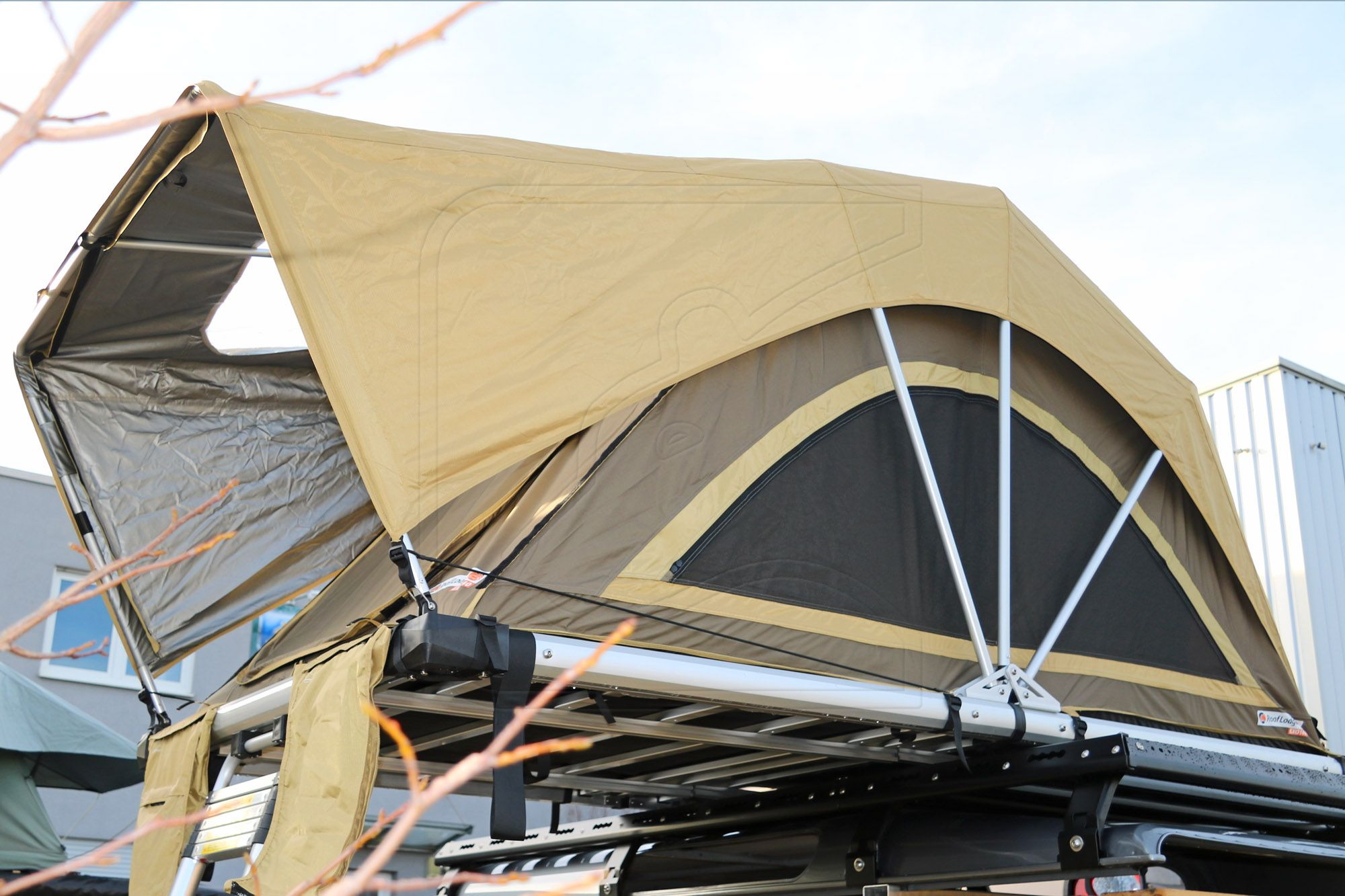 Sand u0026 Brown Roof Lodge Tent Exo : roof lodge tent - memphite.com