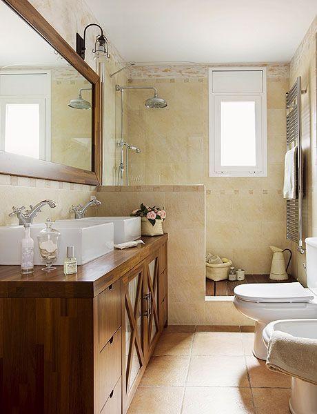 11 Baños pequeños con ducha integrada