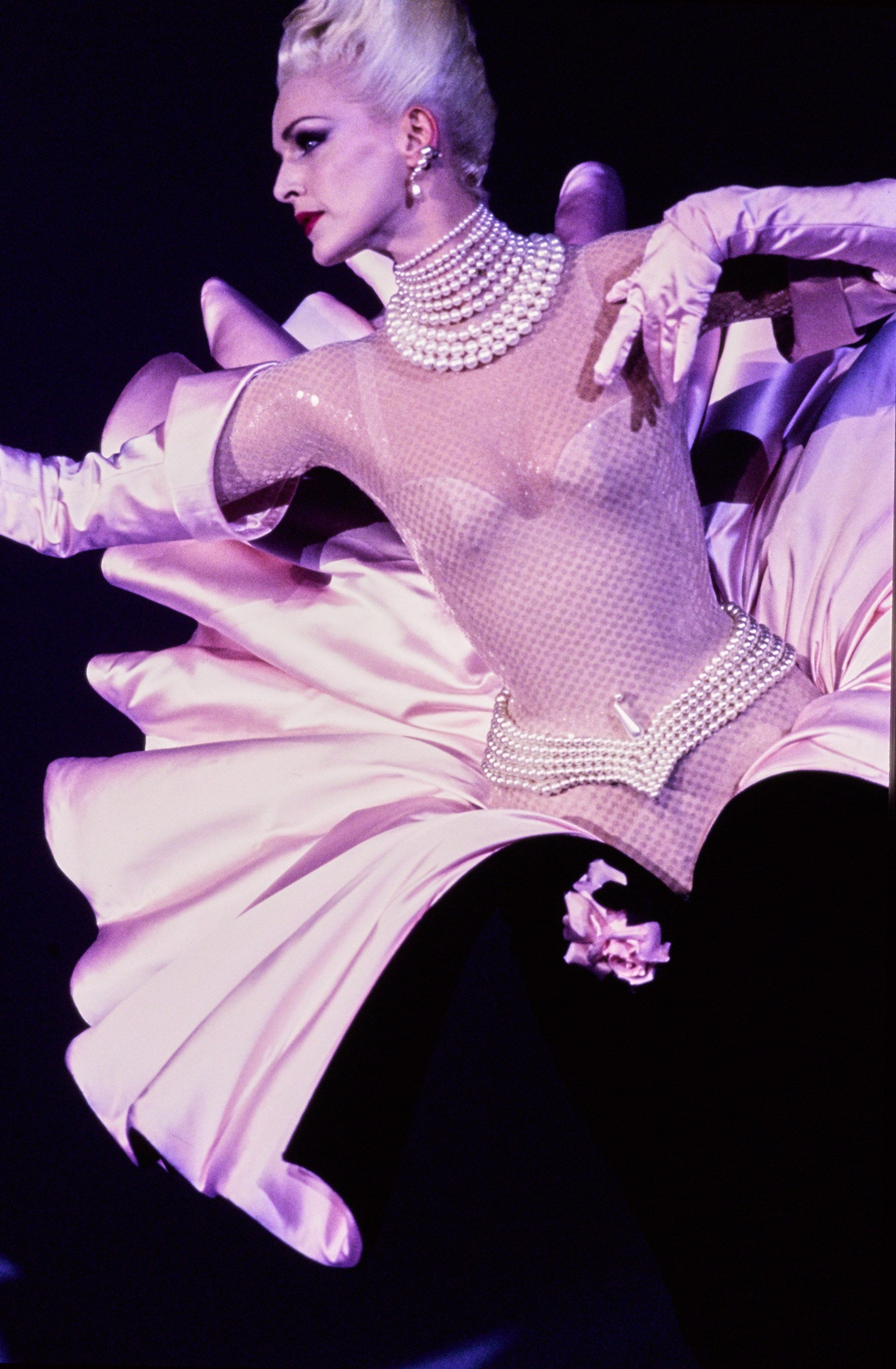 Mugler Fall 1995 Couture Fashion Show | Fashion show