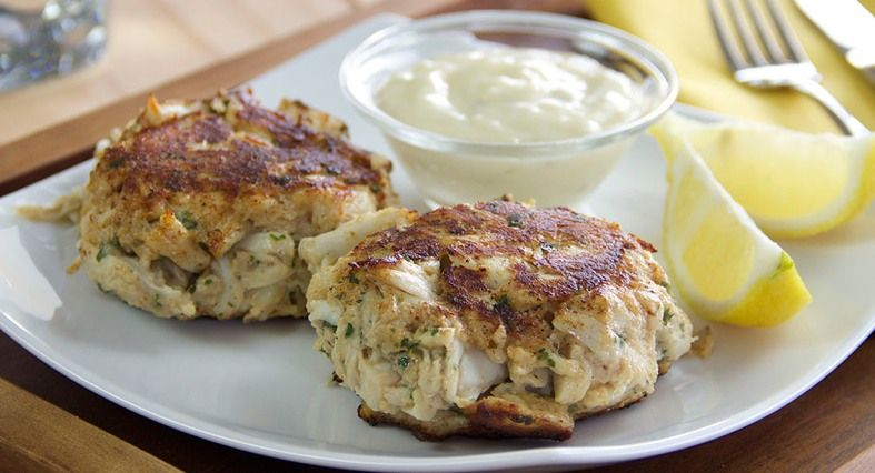Classic old bay crab cakes recipe old bay crab cakes