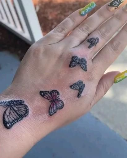 I love this butterfly 🦋 tattoo design 😍