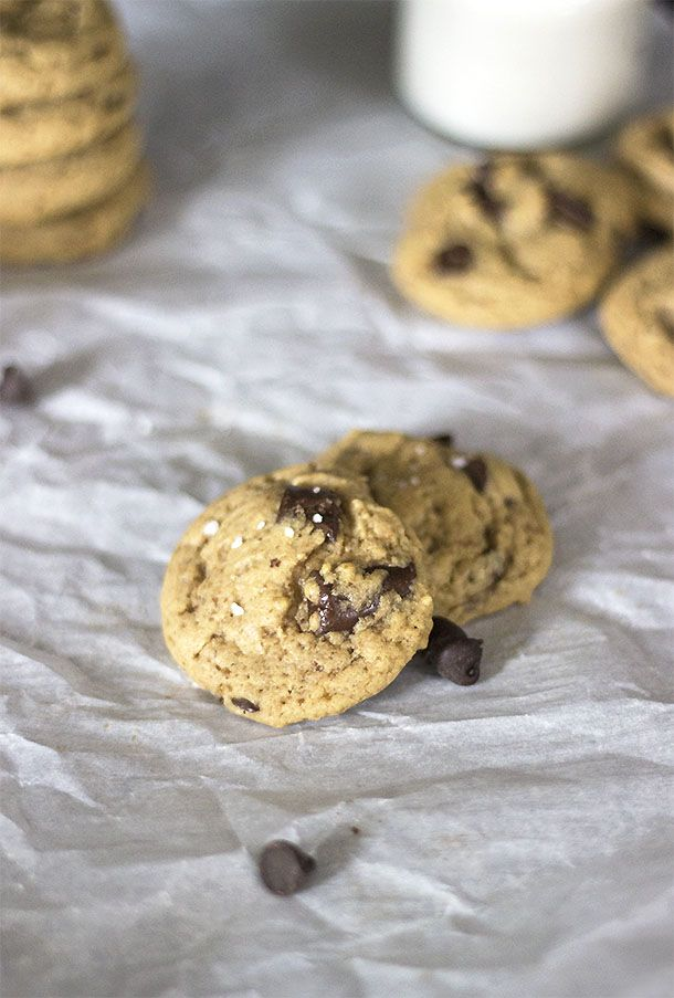 Chewy Gluten-Free Chocolate Chunk Cookies - chewy gluten free, dairy free sugar free chocolate chip cookies. Gluten-Free Cookie Recipe.