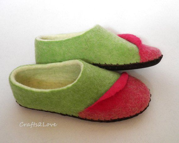 db2c1ad727cee Womens felted slippers Felt wool slippers with soles Woolen house ...