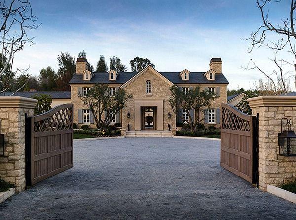 Kim Kardashian And Kanye West S New House In Calabasas Celebrity Houses Kardashian Home Celebrity Mansions