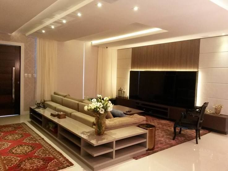 Home theater e sala de estar ilumina o pinterest sala de estar salas e sof - Sala home theatre ...