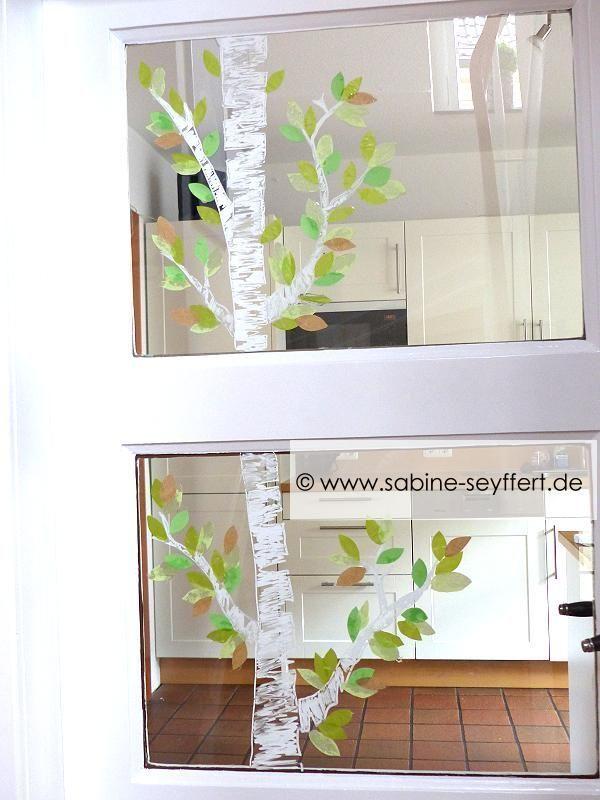 DIY Bastelidee für den Frühling: Birke als Fensterdeko mit Kreidestift und Pap... #herbstfensterdekokinder