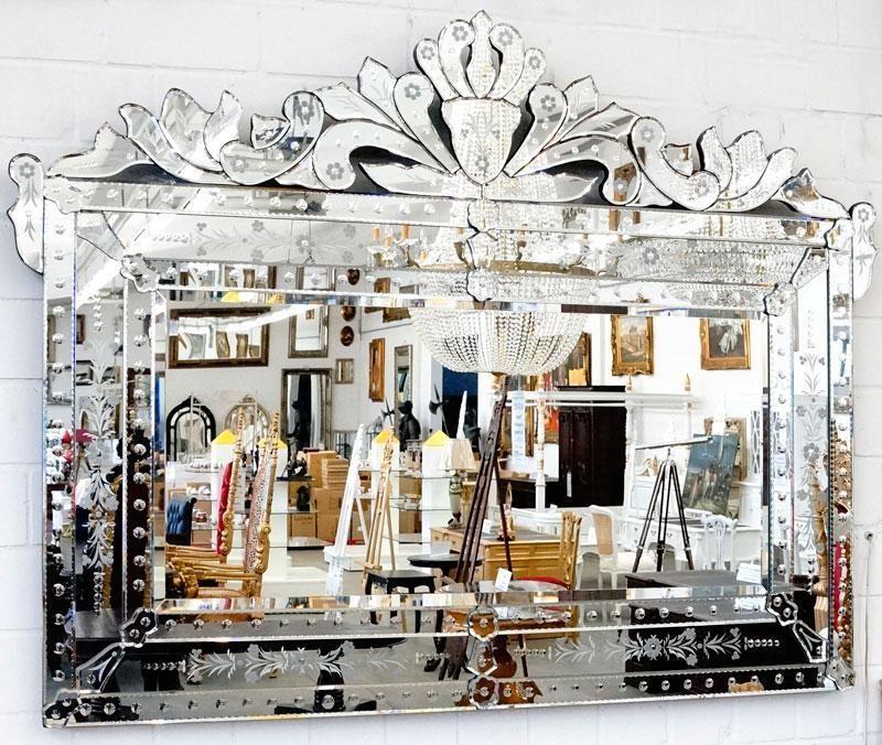 Grand miroir venitien 150x115cm en verre style rococo for Miroir baroque grande taille