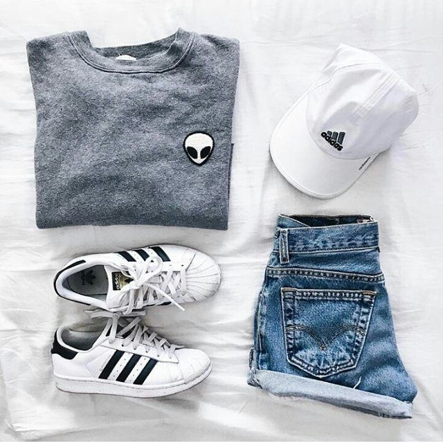 101 Gostos, 2 Comentários - OOTD OUTFITS TUMBLR (@outfit.layout) no