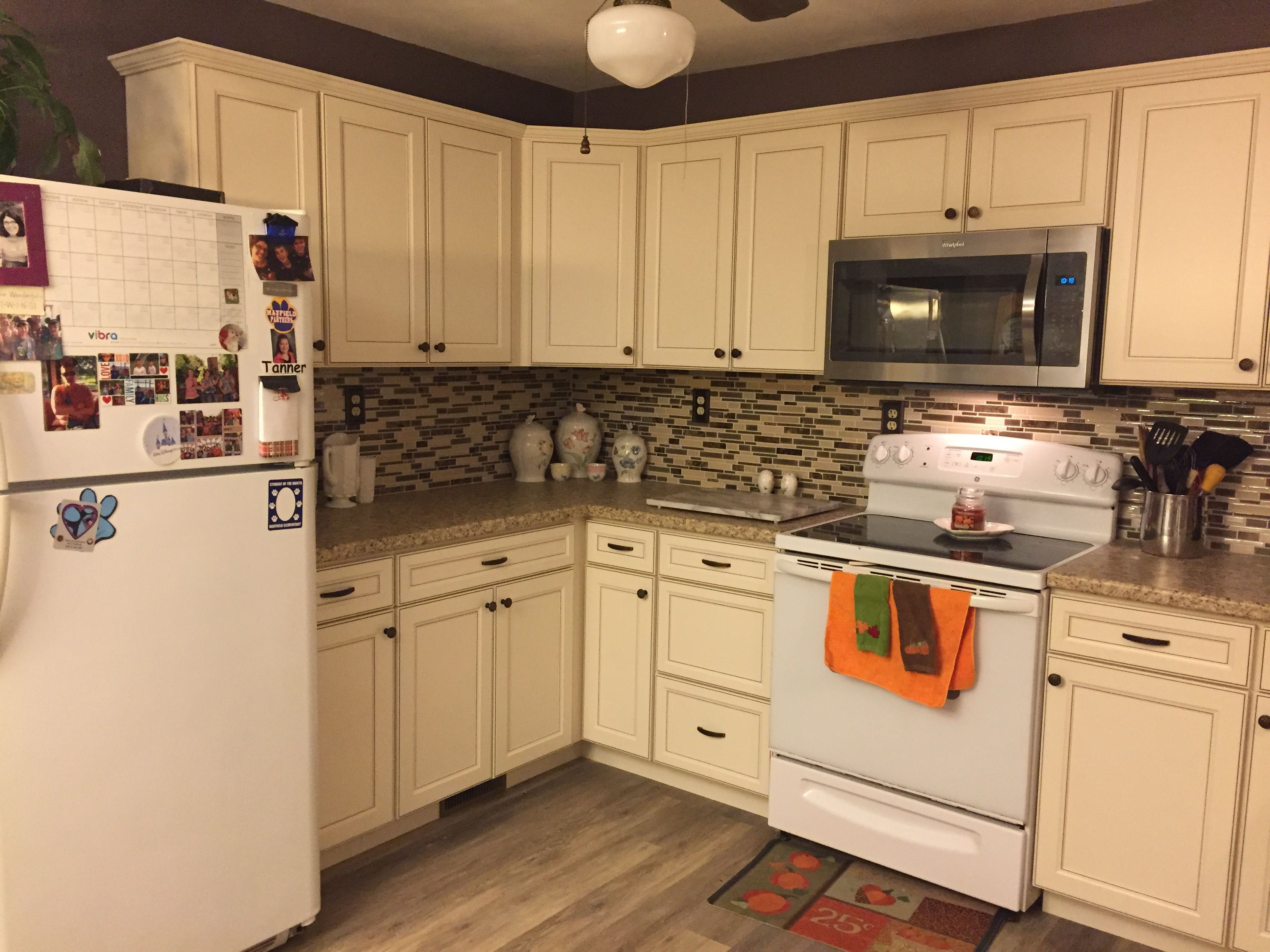 Lowes Caspian Cabinets | Off White Kitchen Cabinets in ...
