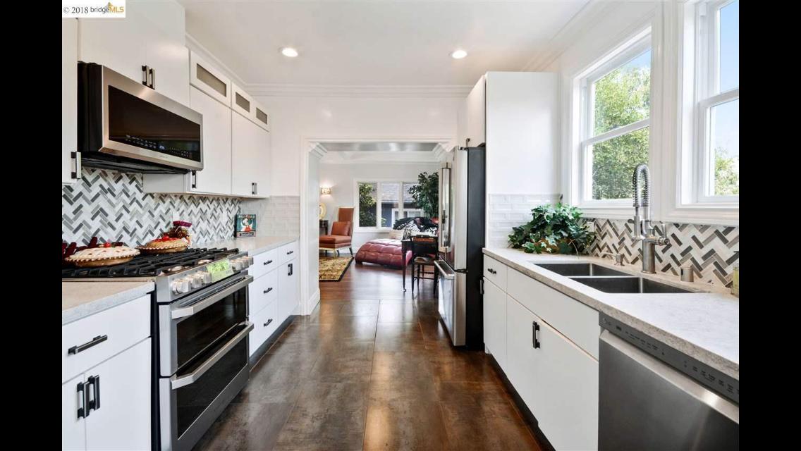 good floor too.   Kitchen remodel, Kitchen, Kitchen cabinets