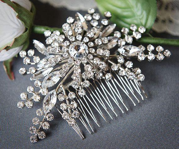 Vintage Bridal Wedding Hair Accessories,Made In UK Bridesmaid Prom Hair Comb Vintage Faux Pearl Hair Comb- Pearl Heart Design Hair Comb
