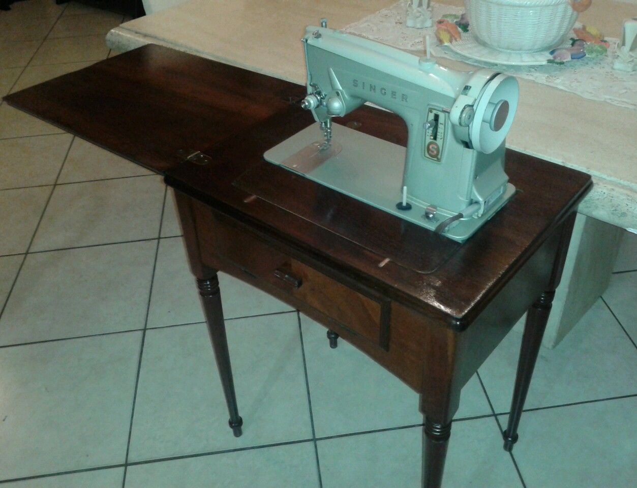 Singer Sewing Machine 327k Serial Et675053 Circa 1960s With Cabinet Cd Instruc Ebay