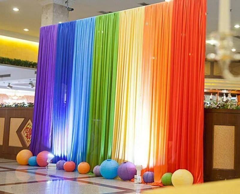 15 Beautiful Curtains Decorations For Birthday Parties Artcraftvila Rainbow Wedding Wedding Background Hawaiian Party Decorations