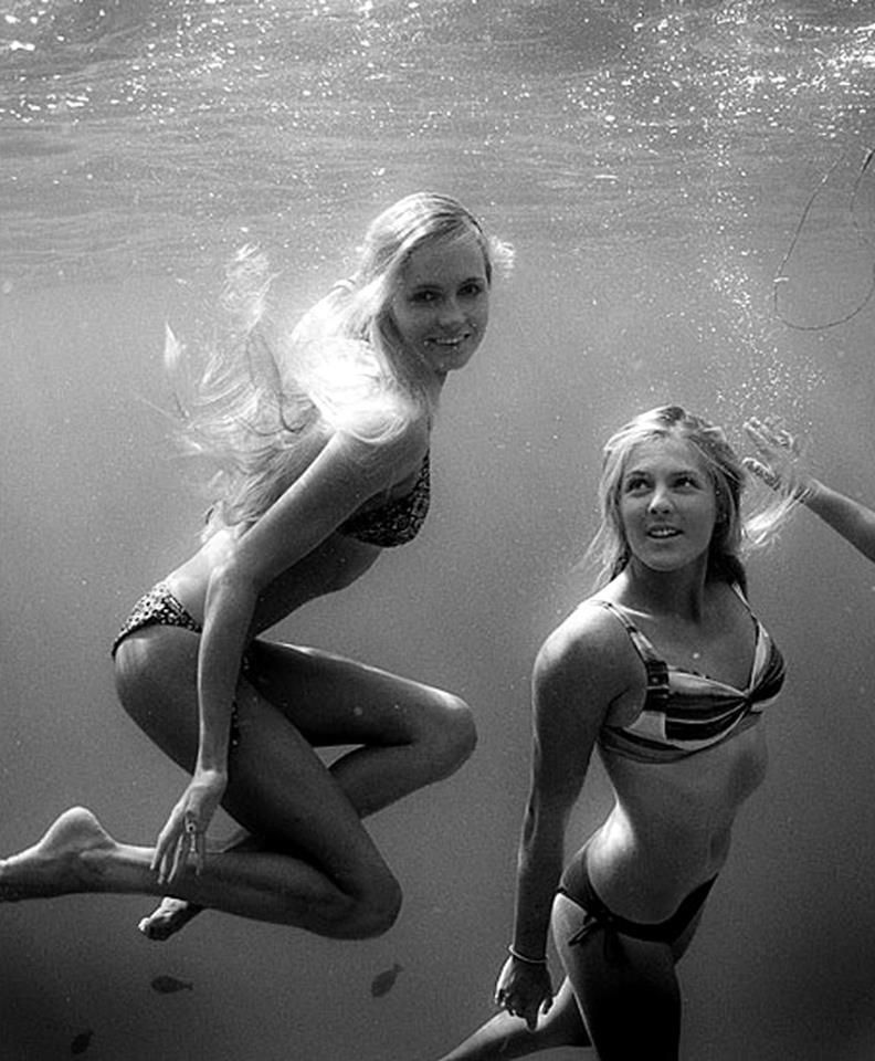 Alana and Stephanie Underwater pinned with Pinvolve