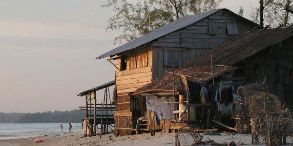 Sur l'une des plages de Sihanoukville, Cambodge - © Andrzej Wrotek