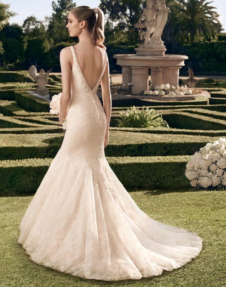 White Silhouette Brautmode Abendkleider Brautkleider Munchen Hochzeit