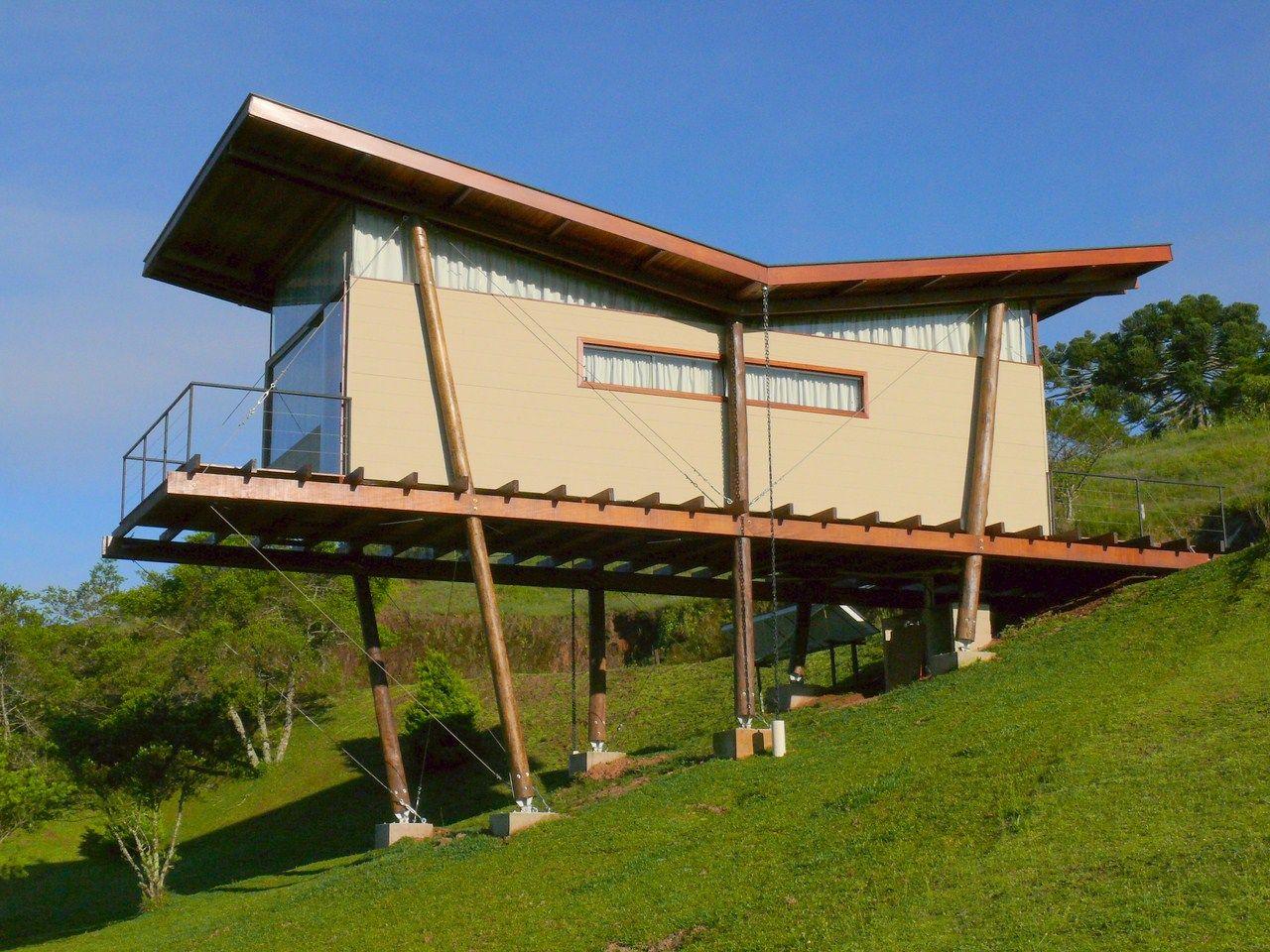 Casas retangulares pequenas em terreno inclinado - Terreno con casa ...