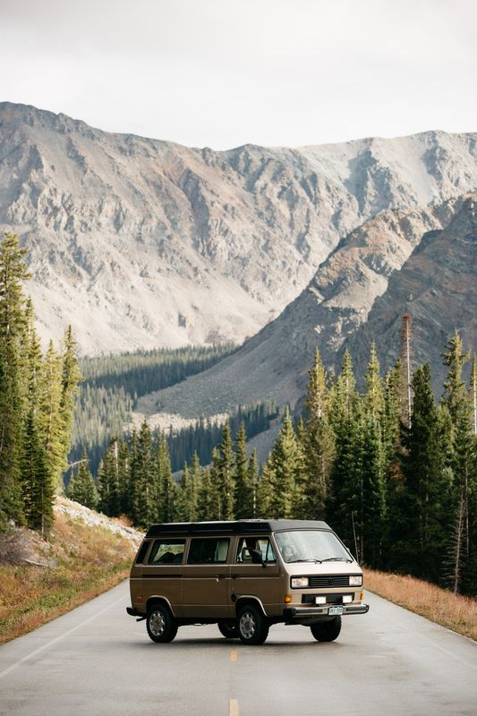 Rocky Mountain camper van rental. Eurovans rentals and Vanagons rentals - Denver, Colorado. Each VW camper van is outfitted for summer and winter camping.