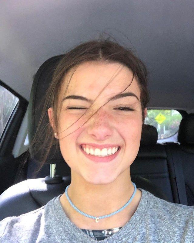 Ini Remaja 15 Tahun Yang Dijuluki Ratu Tiktok Diprediksi Bisa Jadi Miliuner In 2020 Charlie Video Perfect People Girl Celebrities