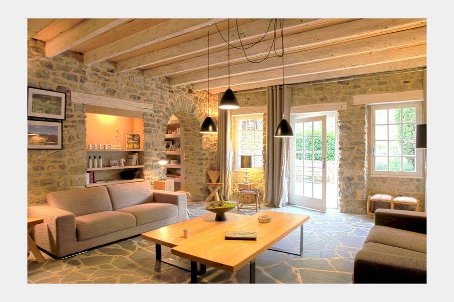 Un salon cosy et lumineux casa nel 2019 case colorate lampadari