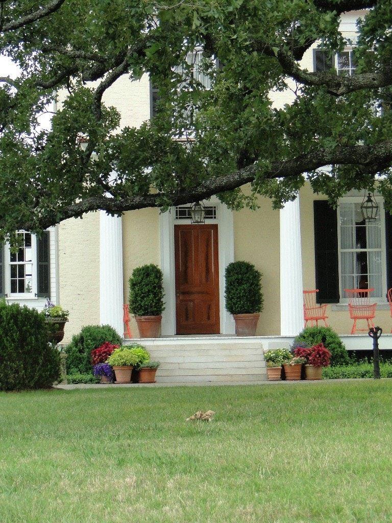 Tour P Allen Smith s Garden Home and Moss Mountain Farm