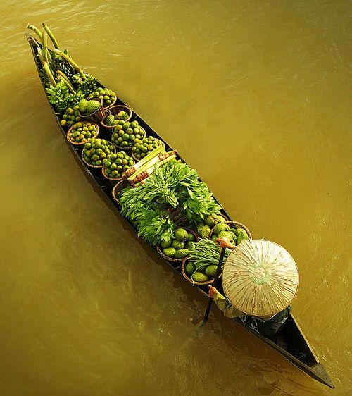 Floating Market by Edy Santosa