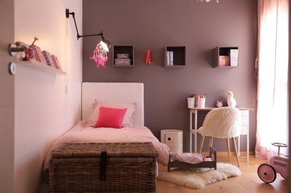 La Maison De Famille Sobre Et Chic De Melanie Chambre A Coucher Idee Deco Chambre Idee Chambre