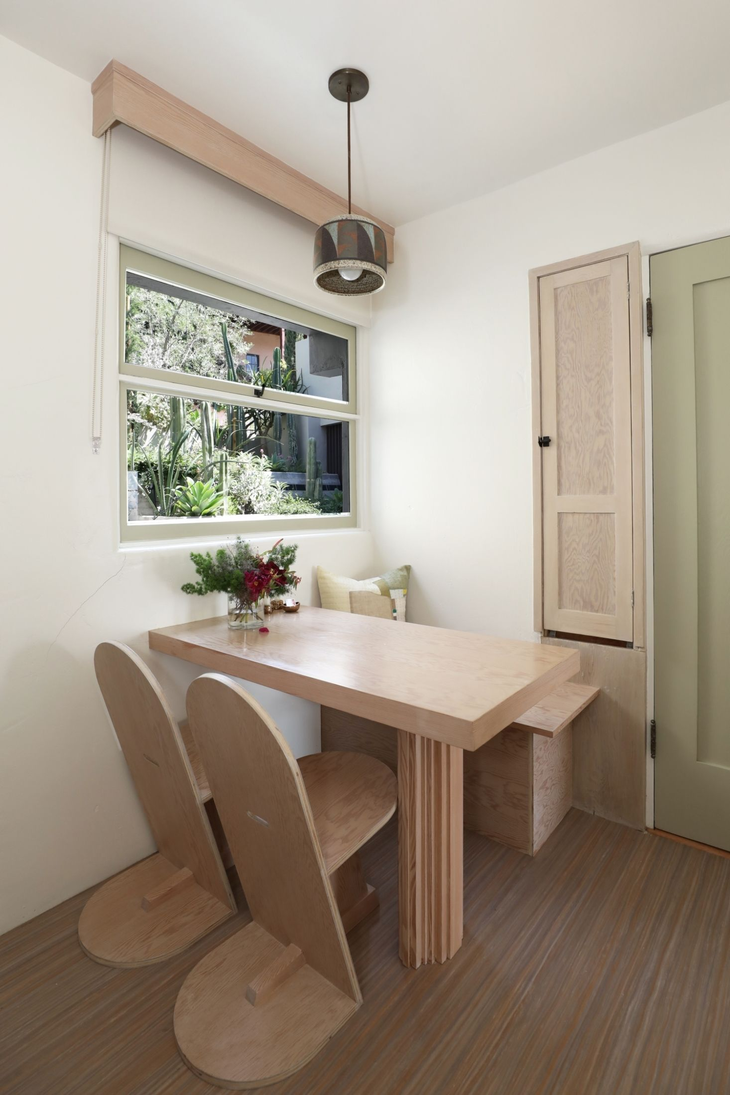 A Rudolph Schindler Flat In La For Short Term Stays With Images Interior Elegant Hotel Oak Floors