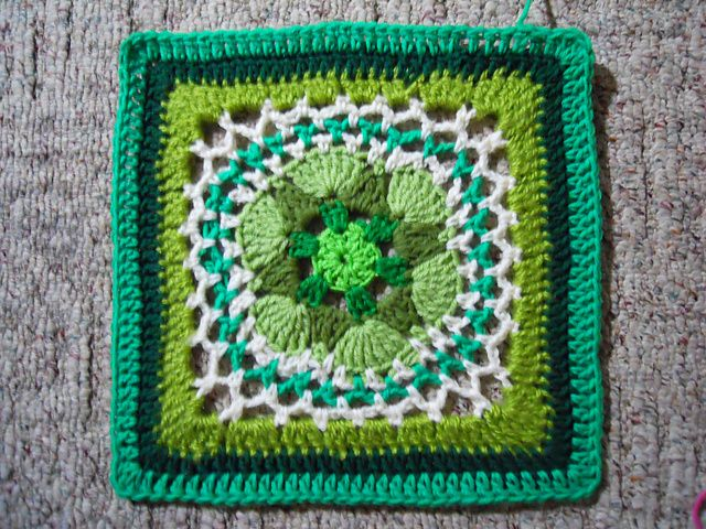 Impossible Hexagon 12 inch Granny Square: free pattern | Crochet ...