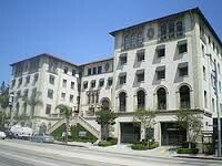 Currently Hacienda Arms Apartments On Sunset Strip In The 1930 S It Was The House Of Franc Hacienda National Register Of Historic Places Hollywood California
