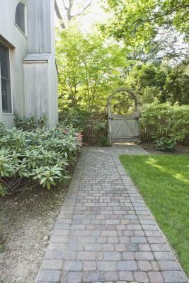 Love The Walk Way And How Even It Is Landscape Bricks Brick Garden Brick Paver Patio