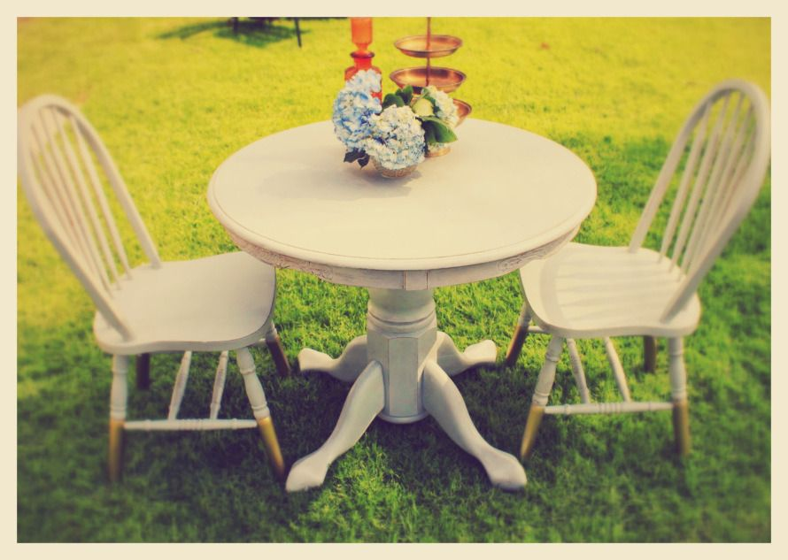 Shabby Chic Round Table And Chairs.