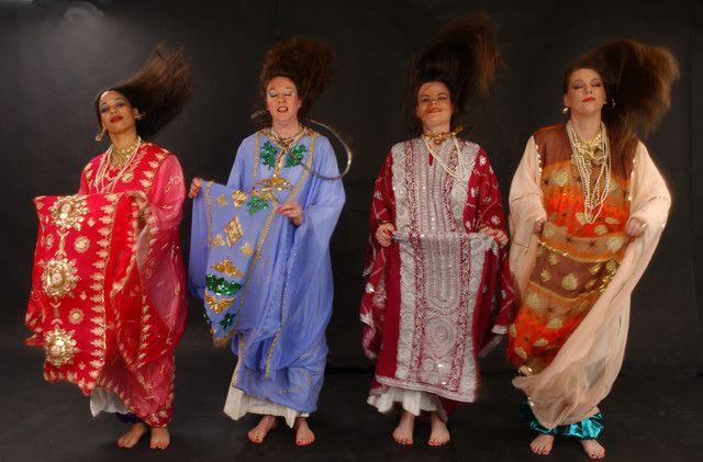 Saudi Arabian Folk Dance - Khaleegy (Saudi Arabian Women's