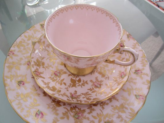 A Beautiful Tuscan Pink And Gold Scroll Trio