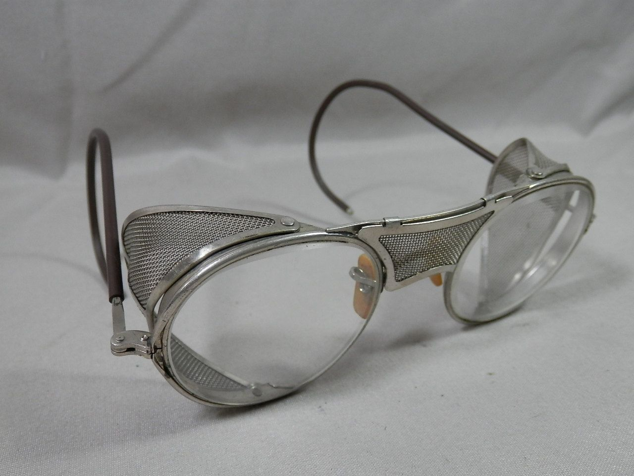 5928ecef557 Vintage Bausch and Lomb 22 47 Safety Glasses Mesh Motorcycle Googles Steam  Punk by CaymanHillDesigns on Etsy