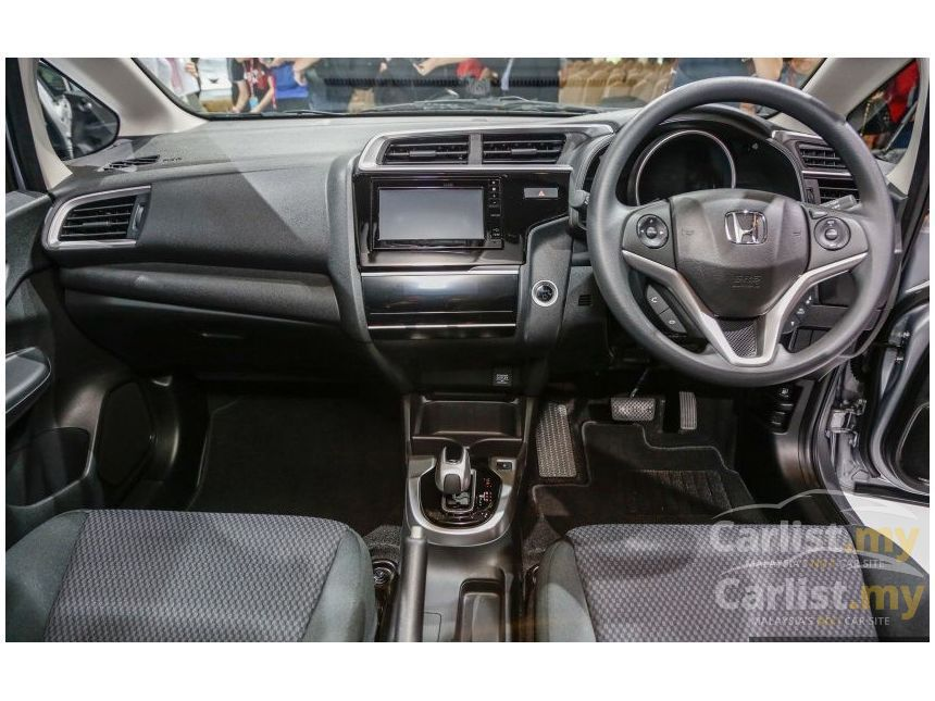 New Honda Fit Already Gets A Ton Of Genuine Accessories In Japan Cars Car Bmw Auto Carlifestyle Supercars Mercedes Ford In 2020 Honda Fit New Honda Honda Jazz