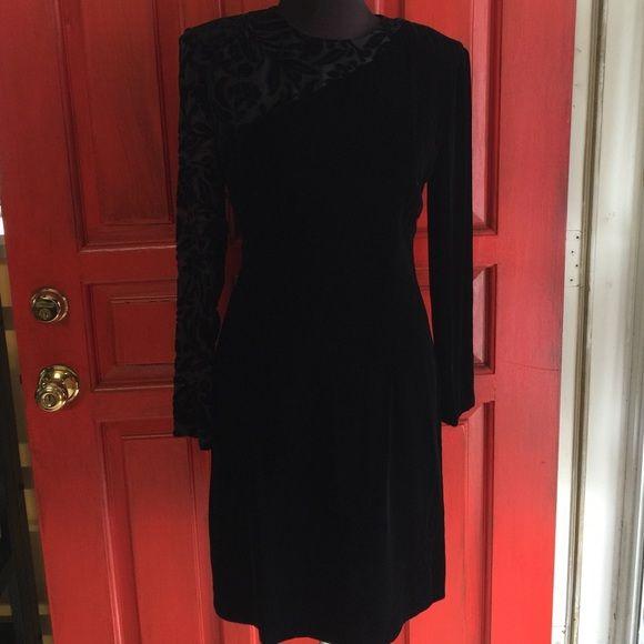 Vintage Black Velvet dress Back zipper. Shoulder pads. Lined. Short slit in the back. Liz Claiborne. Length 37. Bust 36. Waist 30 Vintage Dresses Long Sleeve