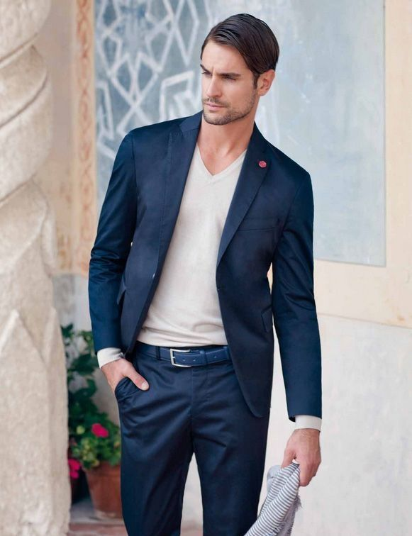 Love the suit and v neck combo but khaki suit with a white shirt http  fc21e3c3ff0a6