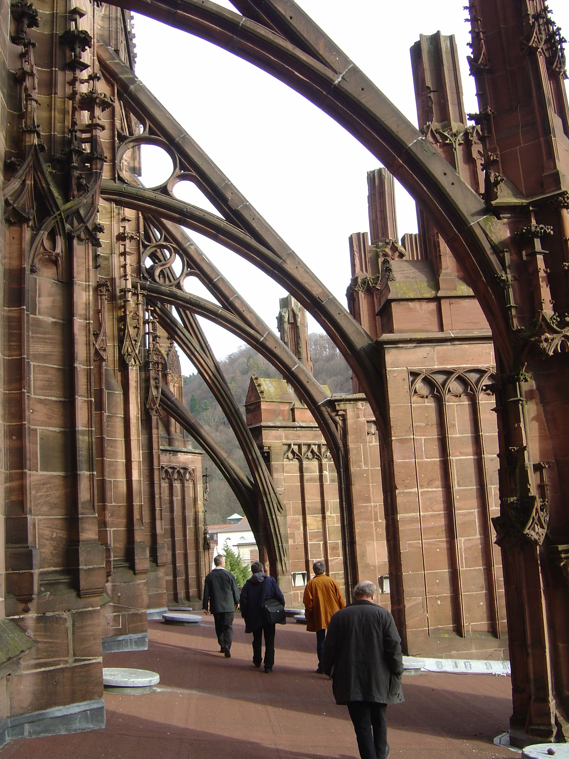 flying buttresses  google search  fisticorelithicore  - gothic architecture · flying buttresses