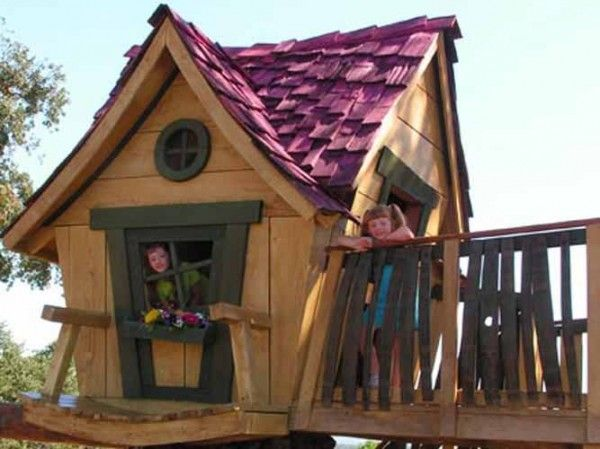 How to build a kids crooked playhouse love this for Crooked house plans